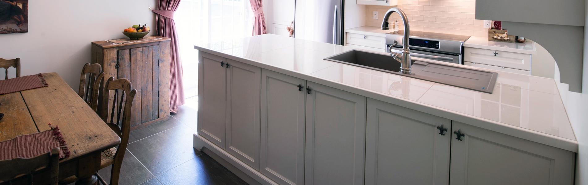 Cr ations folie bois armoires de cuisine en polyester for Armoire de cuisine en polyester